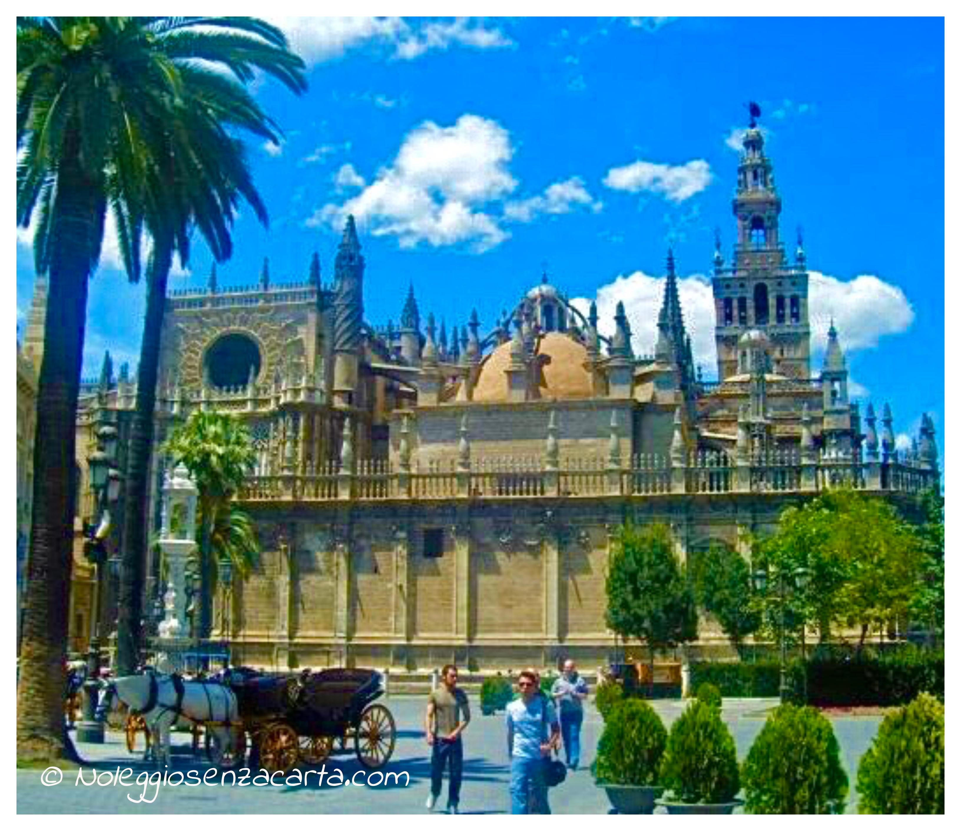 Alquiler coche Sevilla sin tarjeta de crédito
