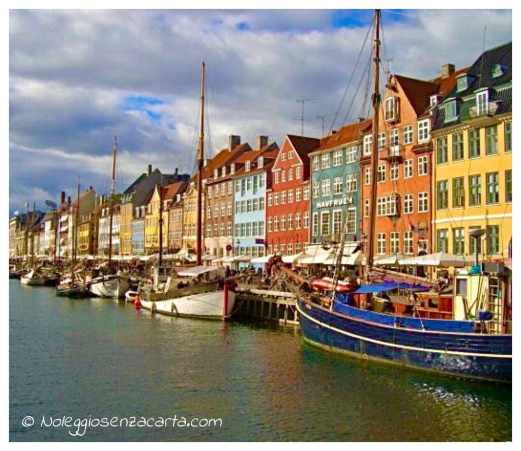 Alquiler coche sin tarjeta de crédito en Copenhague - Dinamarca